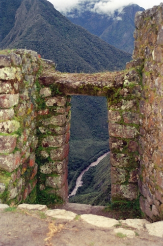 Winay Wayna Inca door way